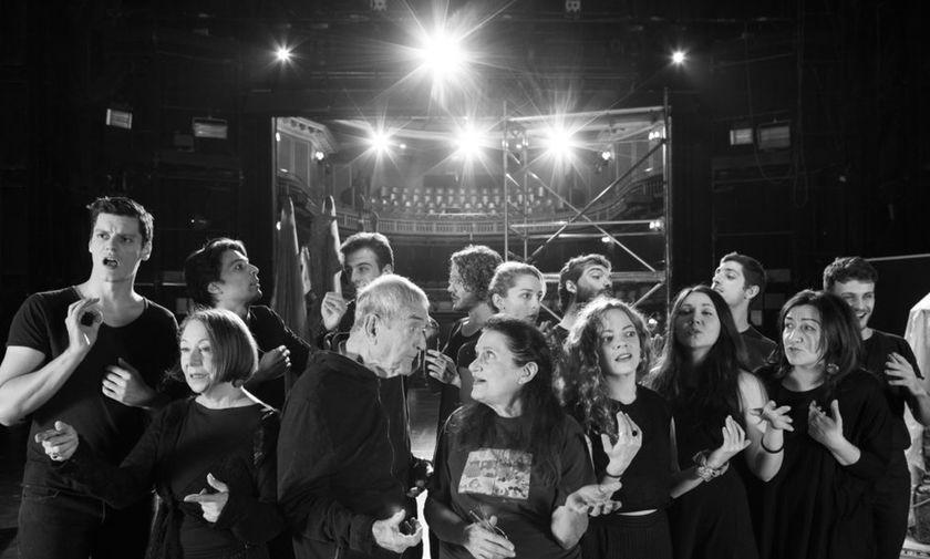 Χριστούγεννα στο Θέατρο: Δέκα παραστάσεις που αξίζει να δείτε του Δημήτρη Στεφανάκη | fosonline.gr